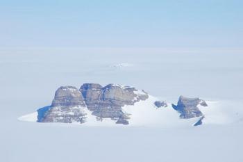 南極大陸ボツンヌーテン.jpg